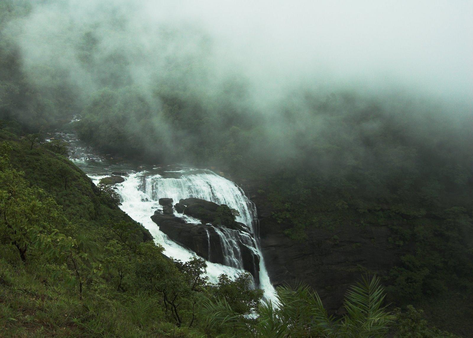 Mallalli falls near KUmara Parvatha