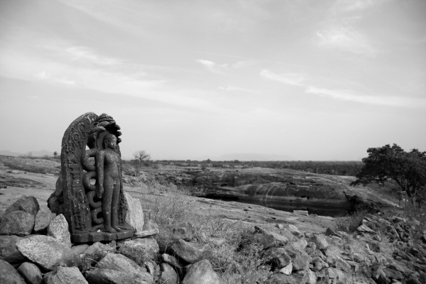 PAYANIGA - Of Stones and Statues