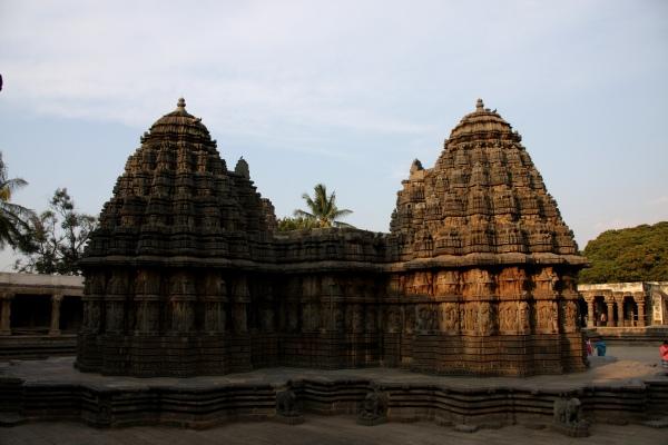 Payaniga: Somanathapura: A temple frozen in time
